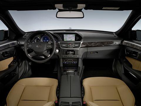 0901_14_z+2010_mercedes_benz_e_class+cockpit