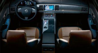 Novo Jaguar XFR 2010 V6 3.0l 240cv / V8 4.2l 420cv