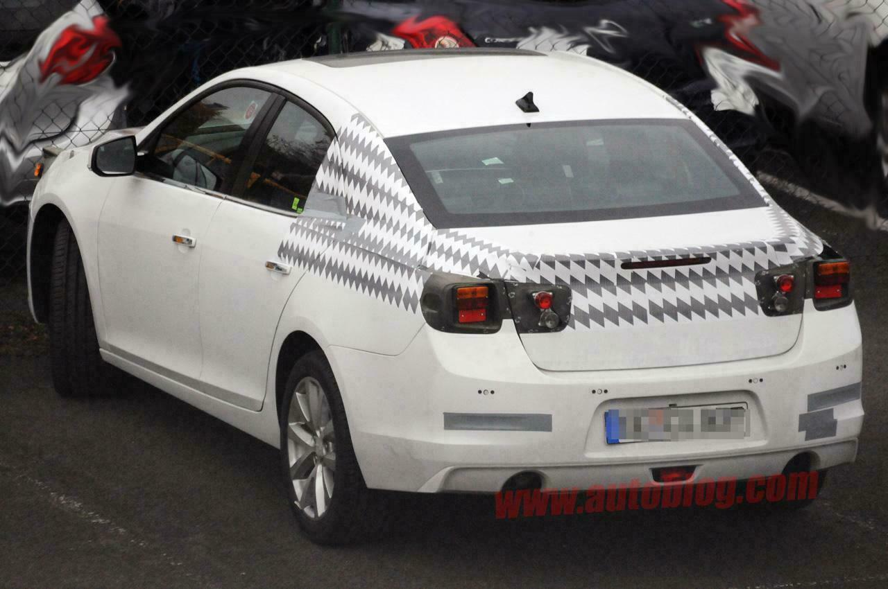 Novo Chevrolet Malibu 2012 é flagrado em Testes