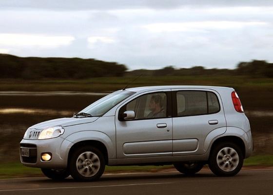 Fiat Novo Uno Linha 2013 – Modelo chega com mais itens de série – Preços