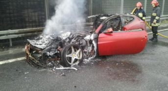 Vídeo – Ferrari FF pega fogo na Polônia