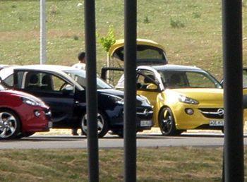 Opel Adam – Fotos do modelo sem camuflagem caem na internet