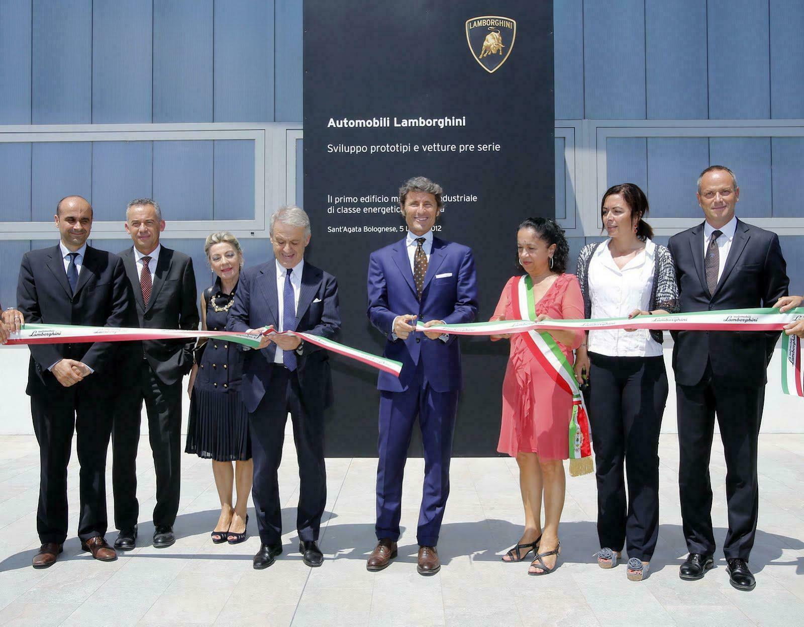 Lamborghini inaugura complexo industrial para protótipos e veículos pré-série