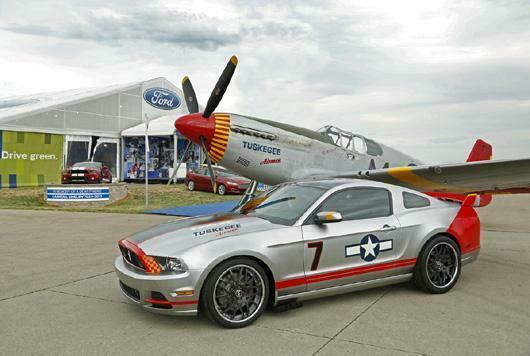Mustang inspirado em avião da Segunda Guerra.