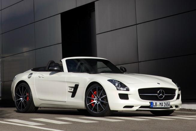 Mercedes-Benz SLS AMG GT Roadster.