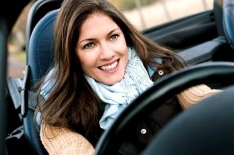 Pesquisa mostra que mulheres dirigem melhor.