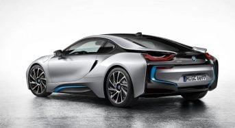 BMW i8 tem design moderno e vem com 3 motores