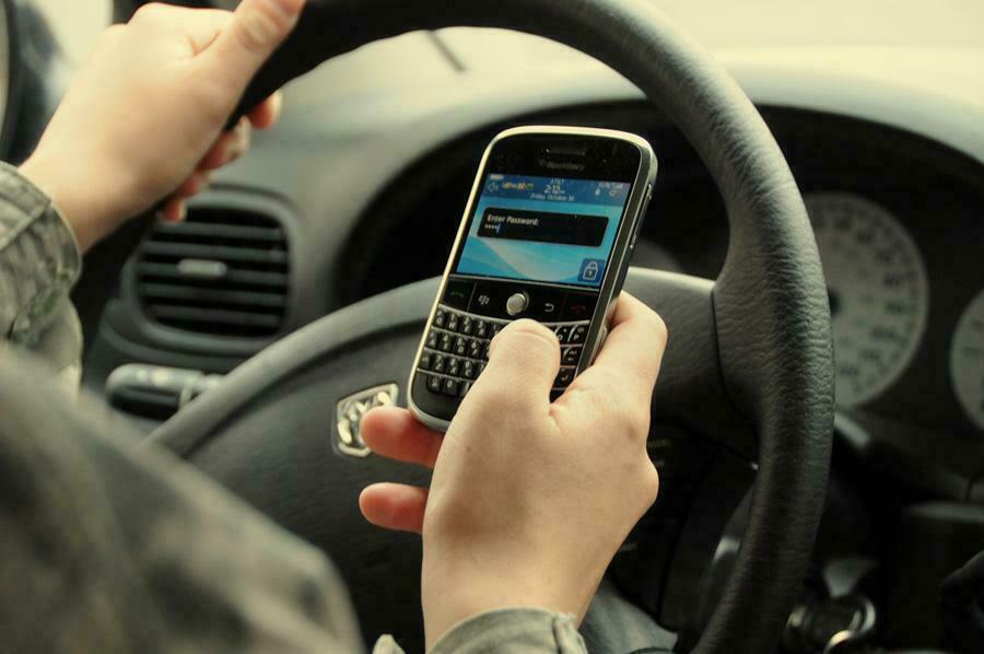 dirigindo-com-celular