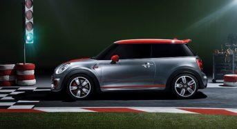 MINI John Cooper Works terá design mais esportivo e configuração mecânica atraente