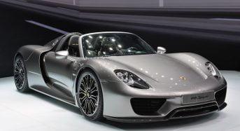 Porsche 918 Spyder traz 3 motores e oferece alta performance