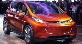 Chevrolet apresenta carro elétrico Bolt no Salão de Detroit 2015