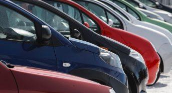 Vendas de automóveis registraram queda em 2014