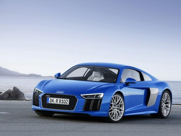 Audi-R8-E-Tron-1-