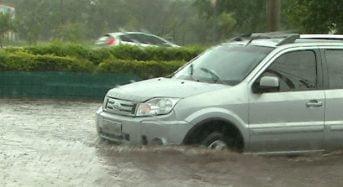 Como Dirigir em Enchentes – Dicas e Cuidados