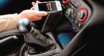 Celular x Carro – Motoristas encontram limitações para conectar smartphones