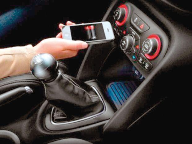 celular-carro-conexao