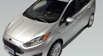 Ford New Fiesta Sedan jé é vendido com GPS e teto-solar