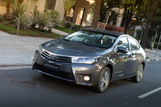 Toyota-Corolla-GLi-Upper-2016