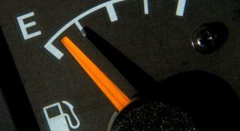Riscos de se Dirigir o Carro com Pouca Gasolina